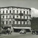Pierwszy budynek szkoły na ul. Krupniczej zdj. ok. 1950