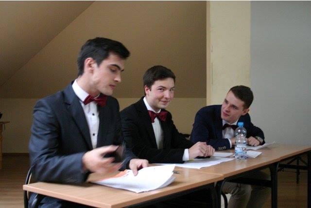 2014-11-27 Debata II LO-IV LO