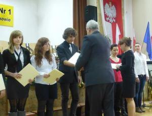 Wyróżnienia dla uczniów 2012 1