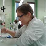 Uczniowie II LO na zajęciach laboratoryjnych z chemii na Uniwersytecie Jagiellońskim 2014/2015